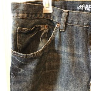 🌻Lee men's jeans relaxed boot cut🌻